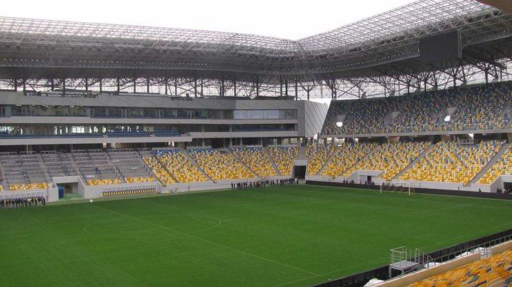 Порошенко написал письмо в ФИФА из-за Арены Львов [ Редактировать ]