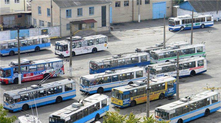 Во Львове остановились все троллейбусы и трамваи [ Редактировать ]