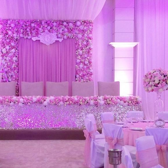 Во Львове в отеле Ахметова отгремела свадьба дочки депутата (фото, видео) [ Редактировать ]
