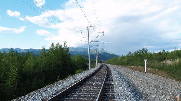Во Львовской области поезд насмерть сбил мужчину [ Редактировать ]