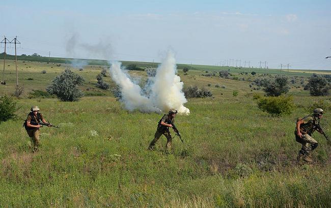 Боевики нарушили перемирие, обстреляв украинские позиции 6 раз, - МОУ