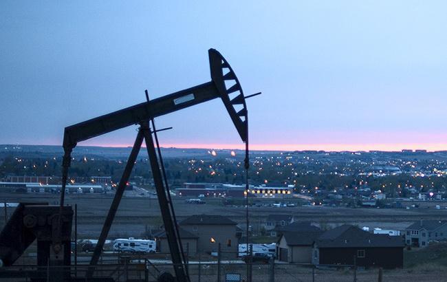 Цена нефти Brent опустилась ниже 82 долларов за баррель