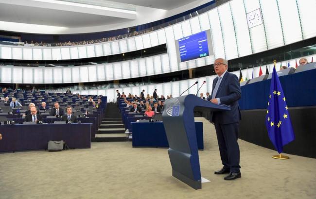 Еврокомиссия сообщила, когда ЕС отменит переход на летнее и зимнее время