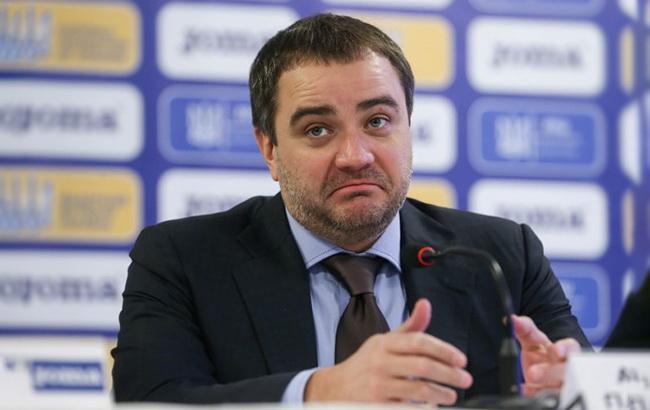 ФФУ на схемі з футбольними газонами переплатила 70% їх вартості, - журналіст