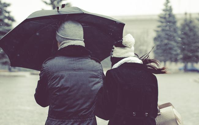 Киевлян предупреждают о сильном ветре и дожде 24 октября
