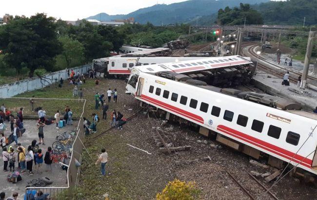 Кiлькicть загиблих внаслідок аварії потяга на Тайвані зросла до 22