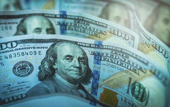 Курс доллара на межбанке находится на отметке 28,06 гривен