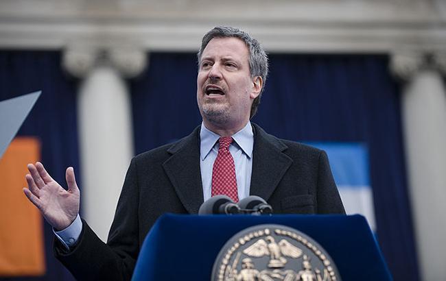 Мер Нью-Йорка назвав відправку посилок з бомбами спробою терактів