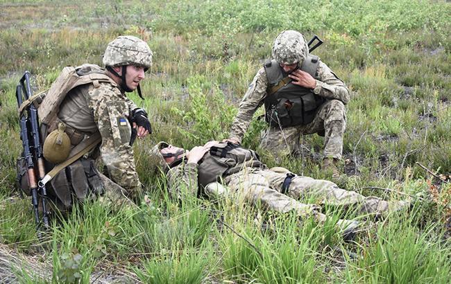 На Донбассе за сутки погибли 2 украинских военных, еще 2 ранены, - ООС