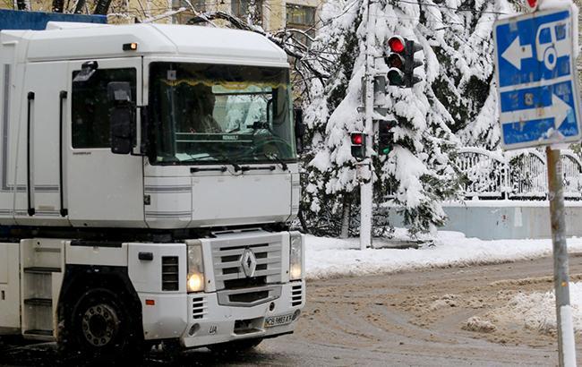 Ограничение въезда грузовиков в Киев продлится до 19 марта