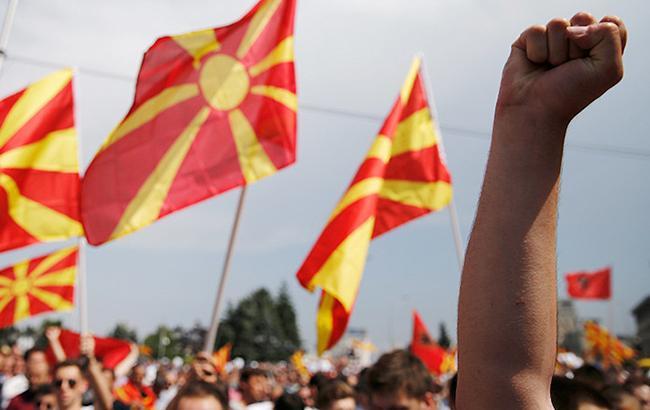 Опозиційна партія Македонії вимагає відставки своїх депутатів, які підтримали зміну назви