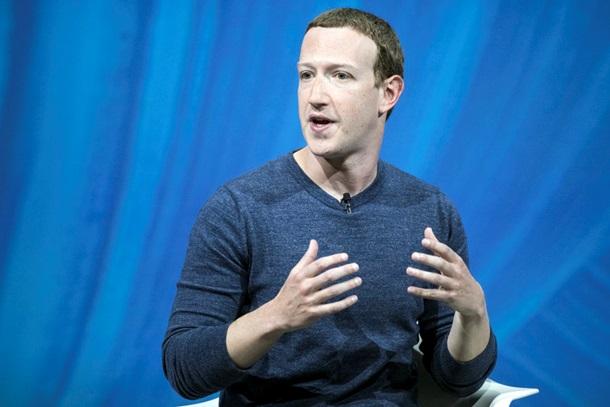 По стопам Маска. Цукерберга гонят из FacebookСюжет