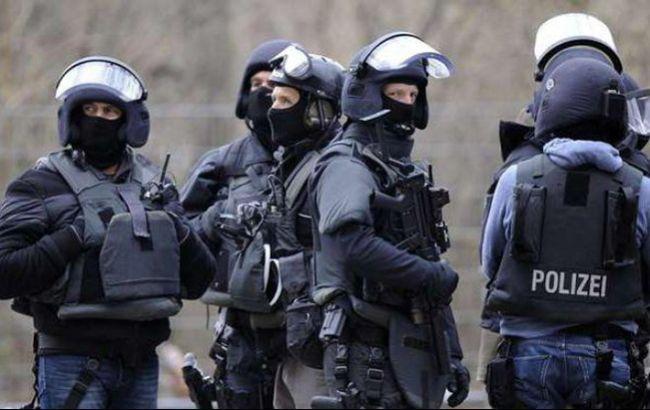 Поліція Кельна затримала чоловіка, який захопив заручницю на вокзалі