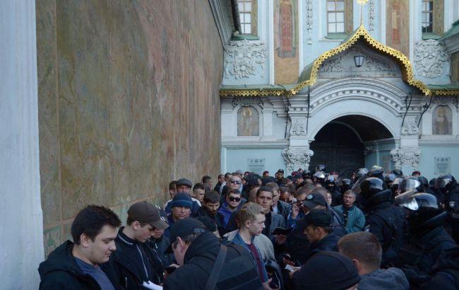 Полиция задержала 122 человека на территории Киево-Печерской лавры