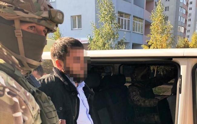 Полиция задержала еще одного россиянина, который напал на ювелирный магазин в Киеве