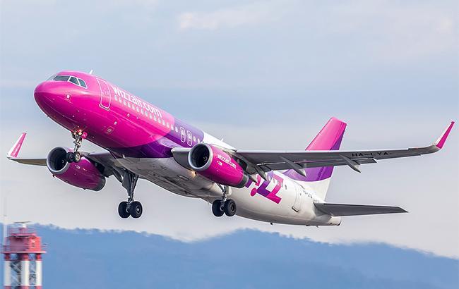 Приземлившийся в Румынии из-за бомбы самолет Wizz Air вылетел в Варшаву