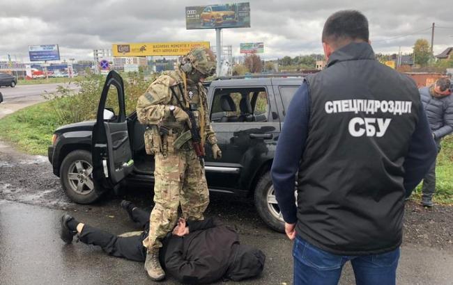 СБУ затримала банду, яка продавала зброю у різних регіонах України