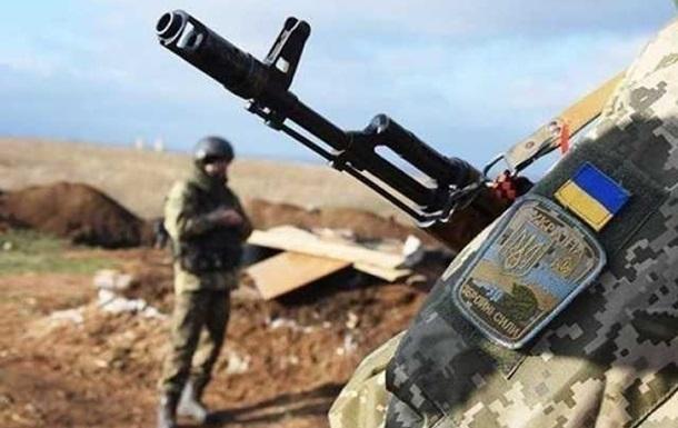 Сутки на Донбассе: 28 обстрелов, ранен военный
