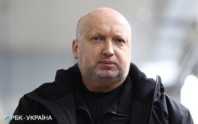 Турчинов рассказал, когда СНБО рассмотрит санкции против каналов 112 Украина и NewsОne