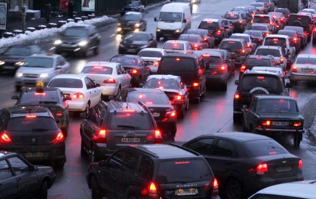 У Києві дозволили їздити зі швидкістю 80км/год на 17 вулицях