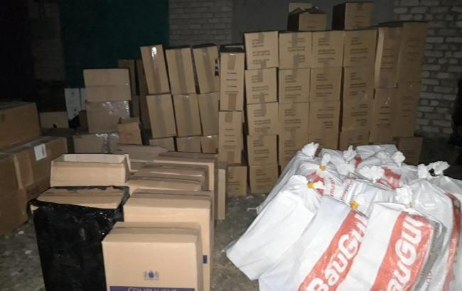 В Донецкой области разоблачили базу контрабандных сигарет на более 3 млн грн