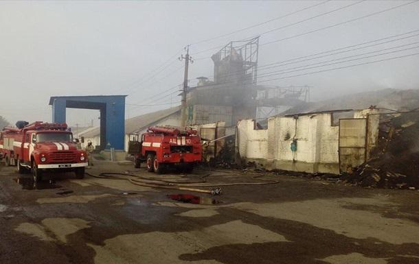 В Харьковской области загорелись зерносклады