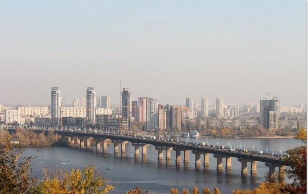 В Киеве ограничили движение на мосту Патона