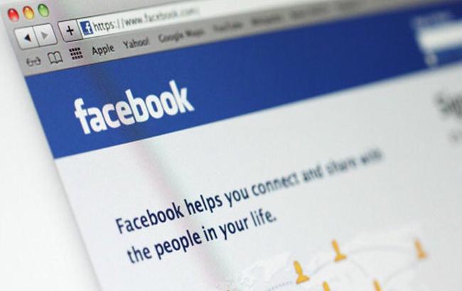 В роботі Facebook стався збій