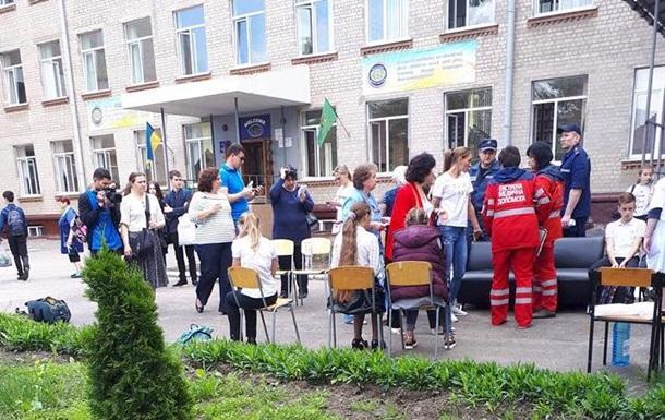 В школе Харькова распылили неизвестное вещество
