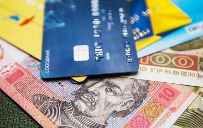 В Украине в июле реальная зарплата увеличилась почти на 15%