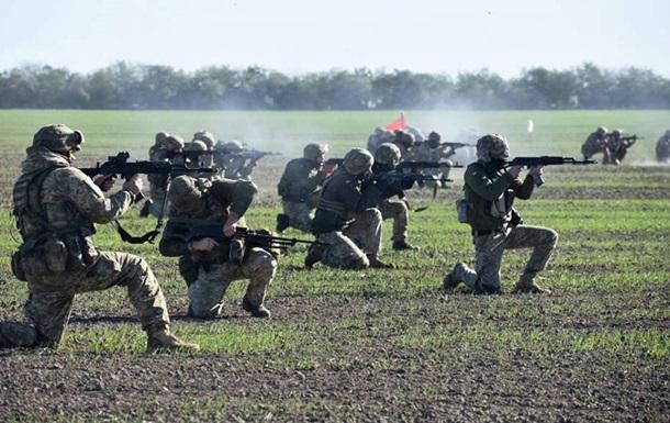 В ВСУ показали, как десантники на учениях отражают атаки с моря