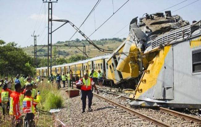 В ЮАР при столкновении двух поездов пострадали 320 человек