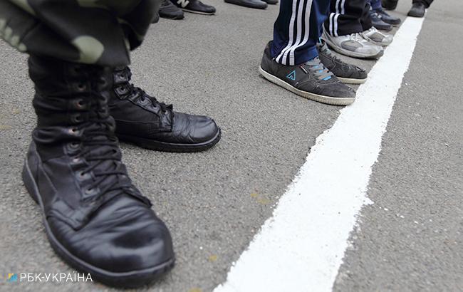 В Запорожской области на взятке в 35 тыс. гривен задержали секретаря военкомата