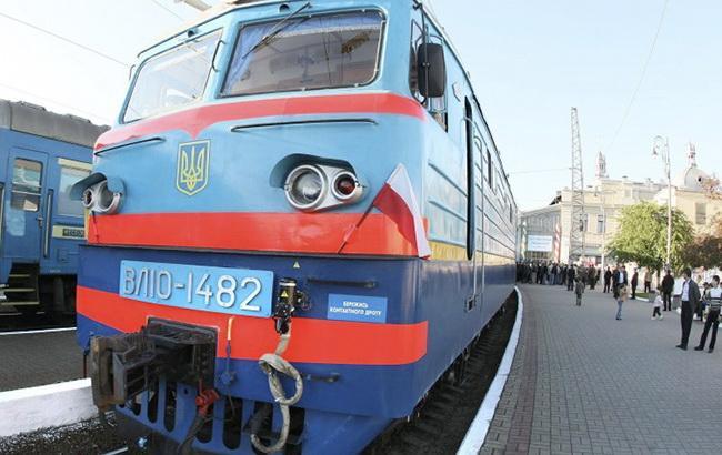Во Львовской области школьница попала под поезд