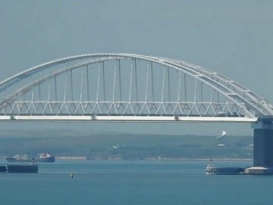 Оккупанты усиливают охрану Крымского моста