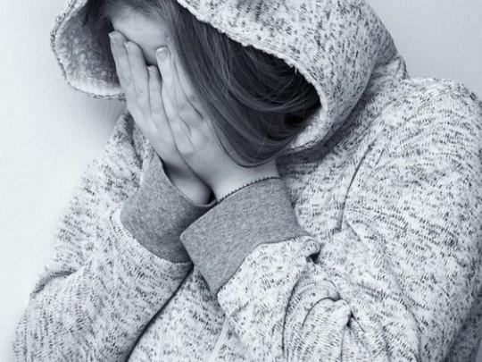 Подростки избили 10-летнюю девочку и угрожали изнасилованием: первые подробности жуткой истории