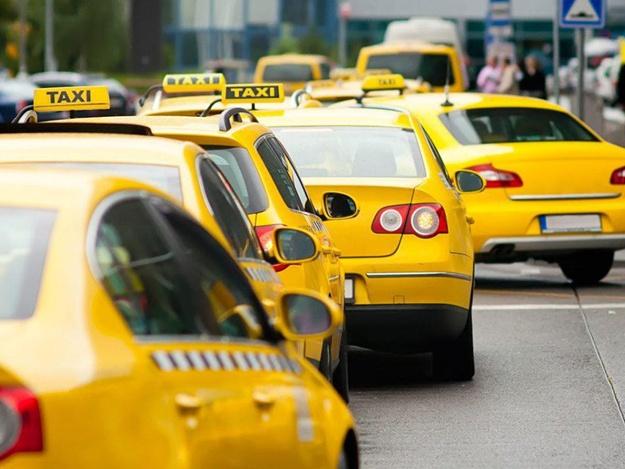 Таксі Львова: які служби найдешевші і які послуги пропонують