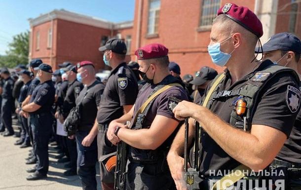В Умань стянули сотни полицейских со всей Украины